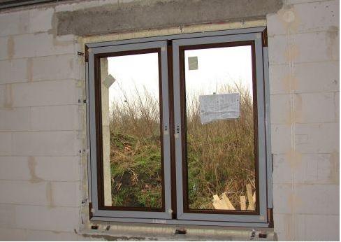 Montaż okien w warstwie ocieplenia – jak to działa?